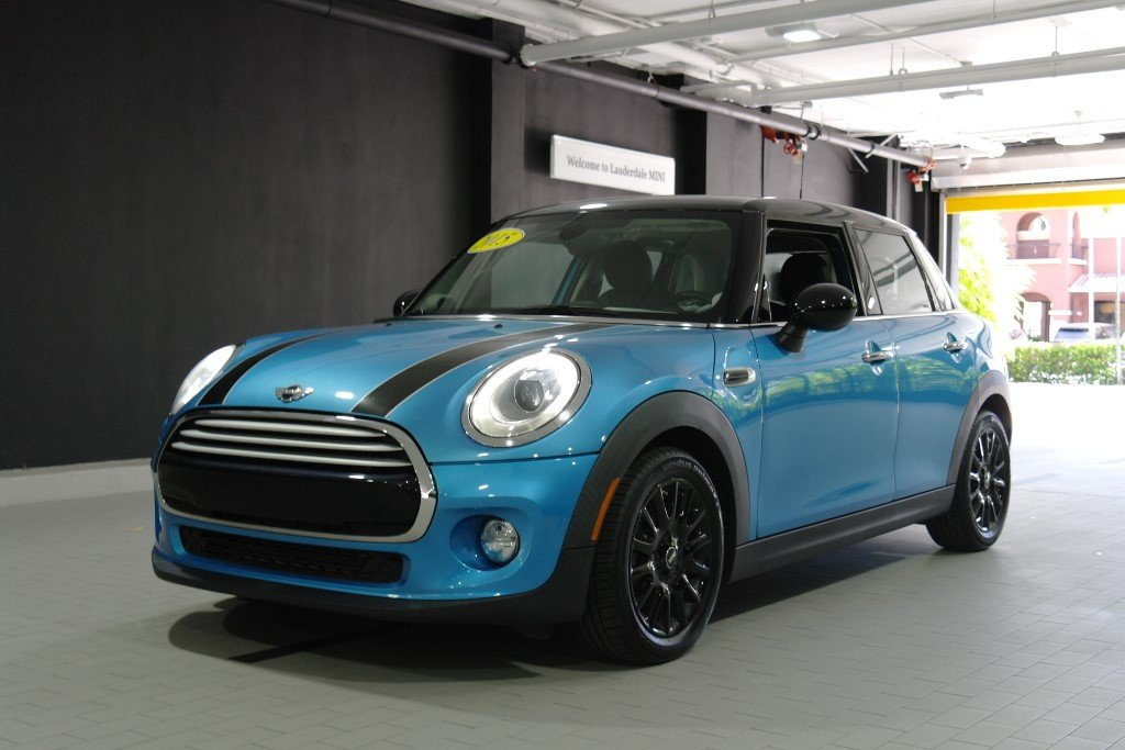 Pre-Owned 2015 MINI Cooper Hardtop 4 Door